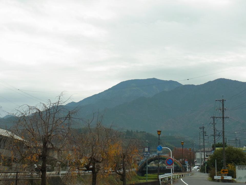 雲に映える恵那山