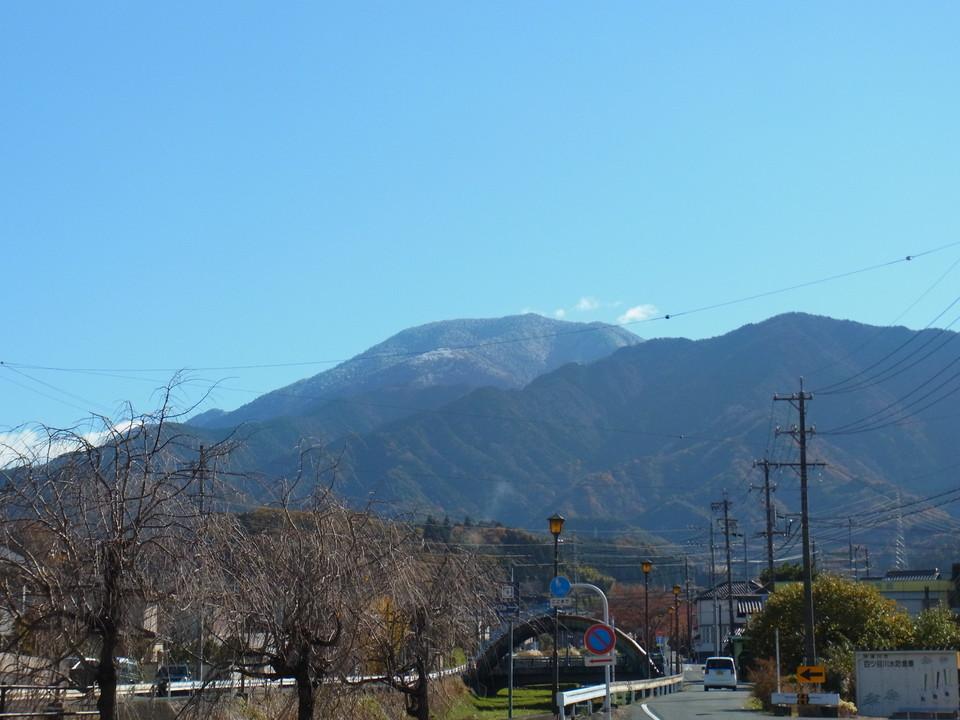 恵那山に初雪