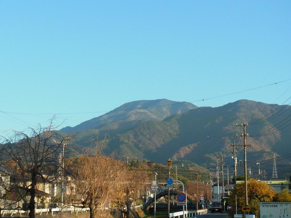 夕焼け少し前の恵那山