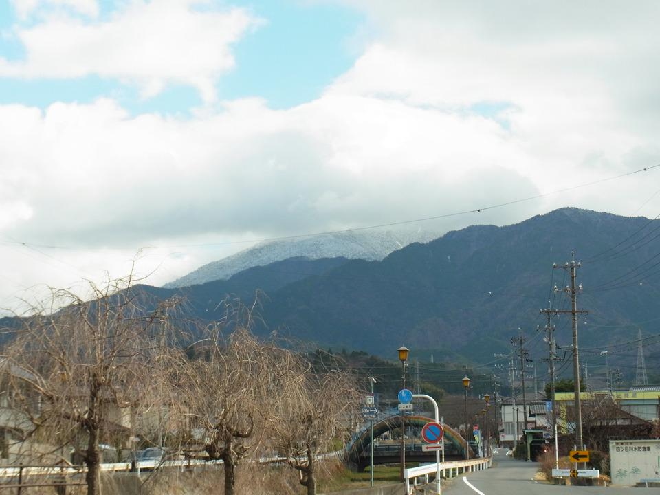 白い恵那山見えました!