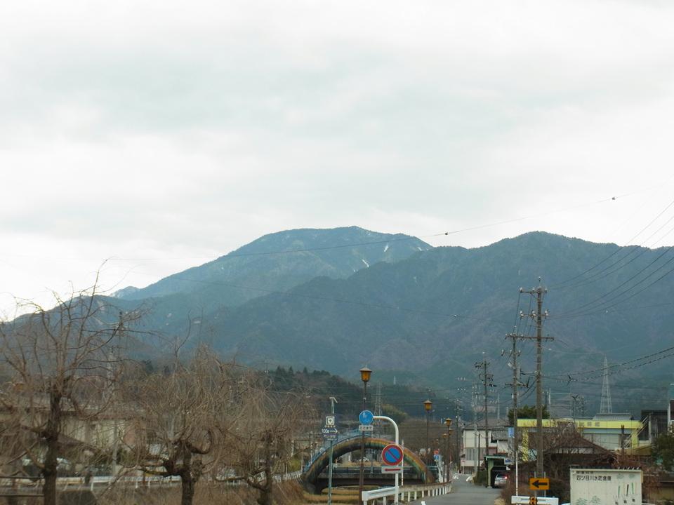 雨が降る寸前の恵那山