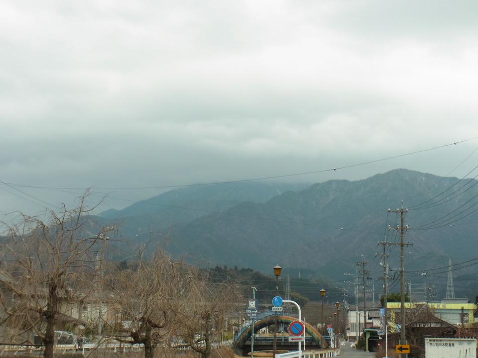 にわか雨前の恵那山【天気予報より】