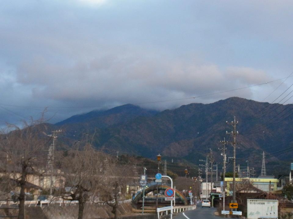 日暮れ間近の恵那山