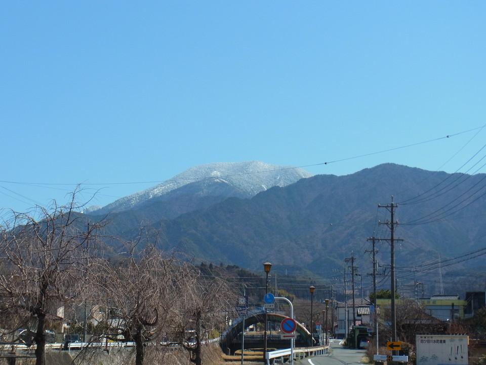 澄み切った空と恵那山