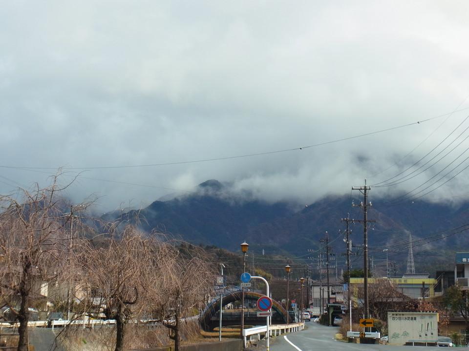 雨の合間の恵那山