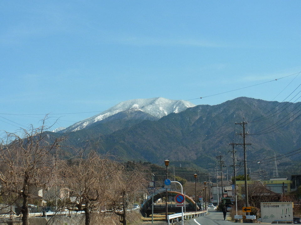 恵那山がはっきり見えています