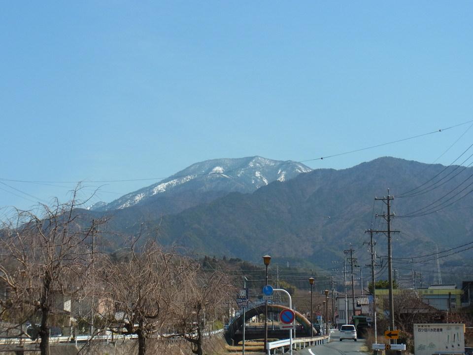 春めいた日の恵那山