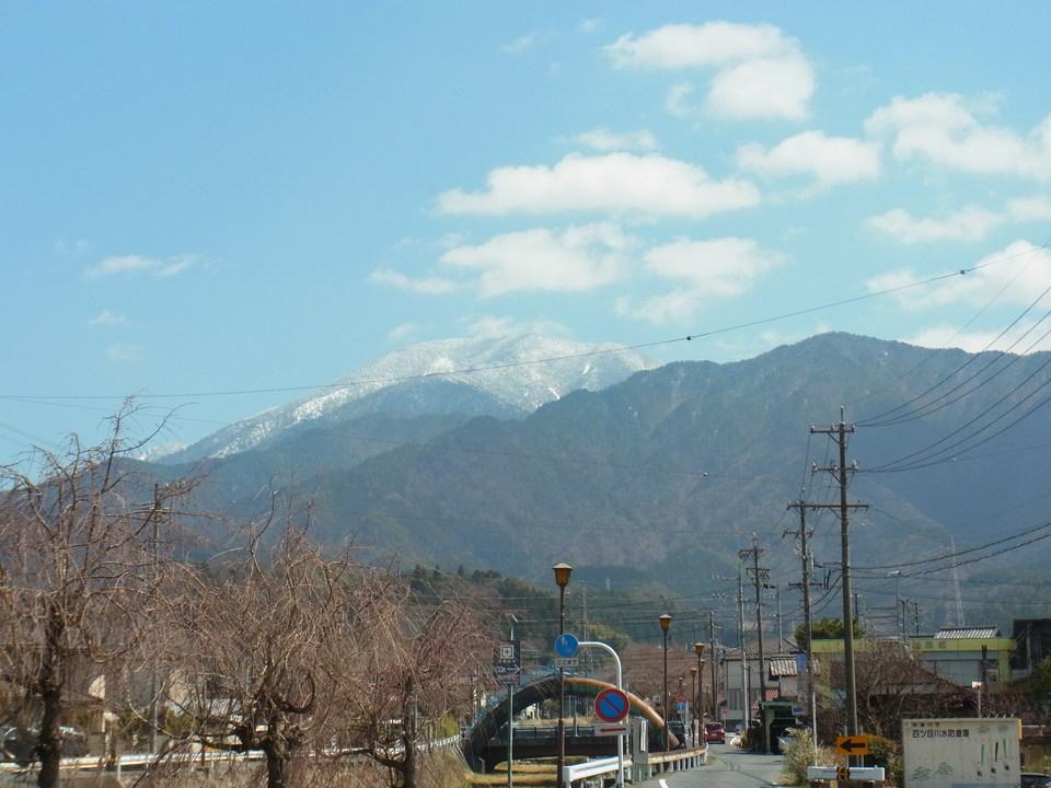 桜が待ち遠しい日の恵那山