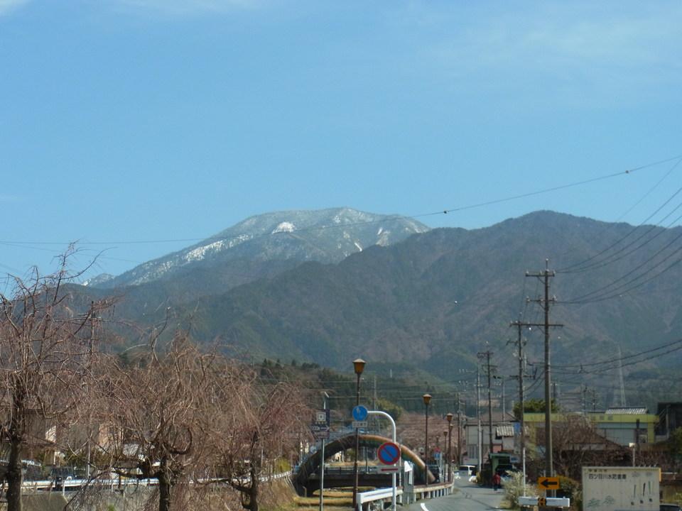 恵那山の雪が溶けてきました