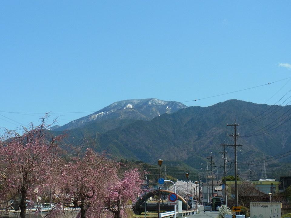 春の恵那山