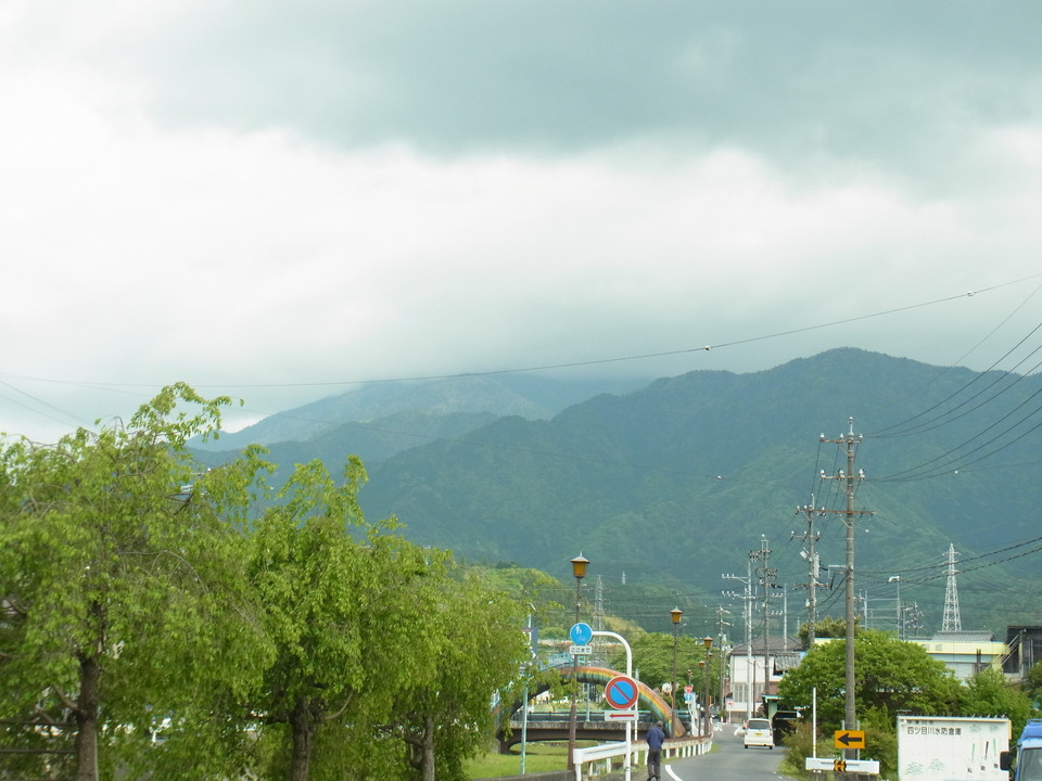 だんだん暑くなってきた日の恵那山