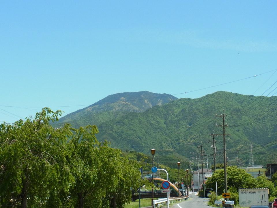 心地よいお天気の日の恵那山