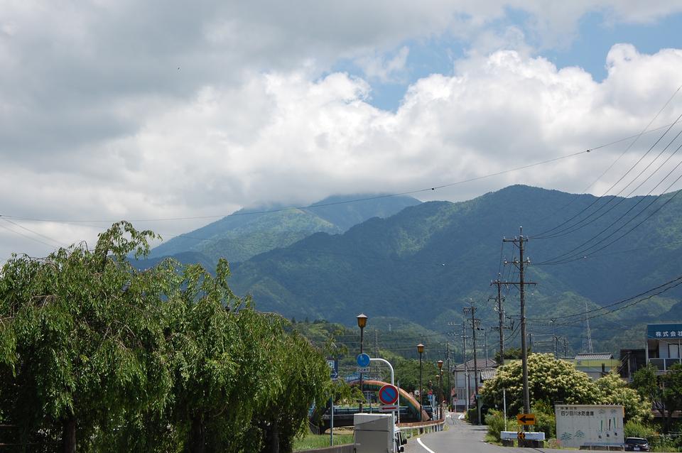 恵那山の上だけ雲