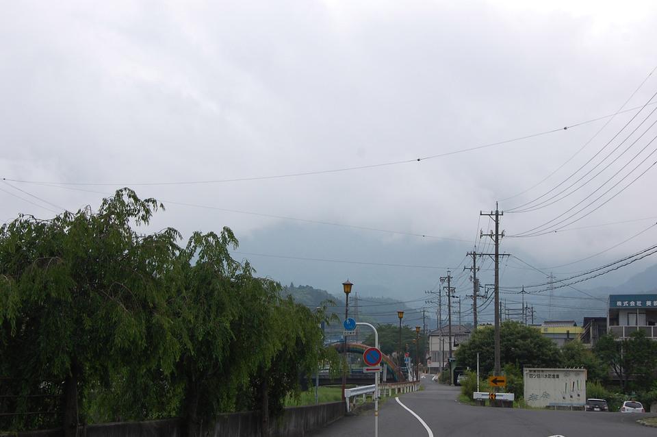 雨が降り出す直前の恵那山