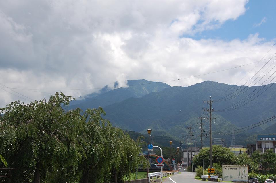 雲が多めでも恵那山見えました! border=