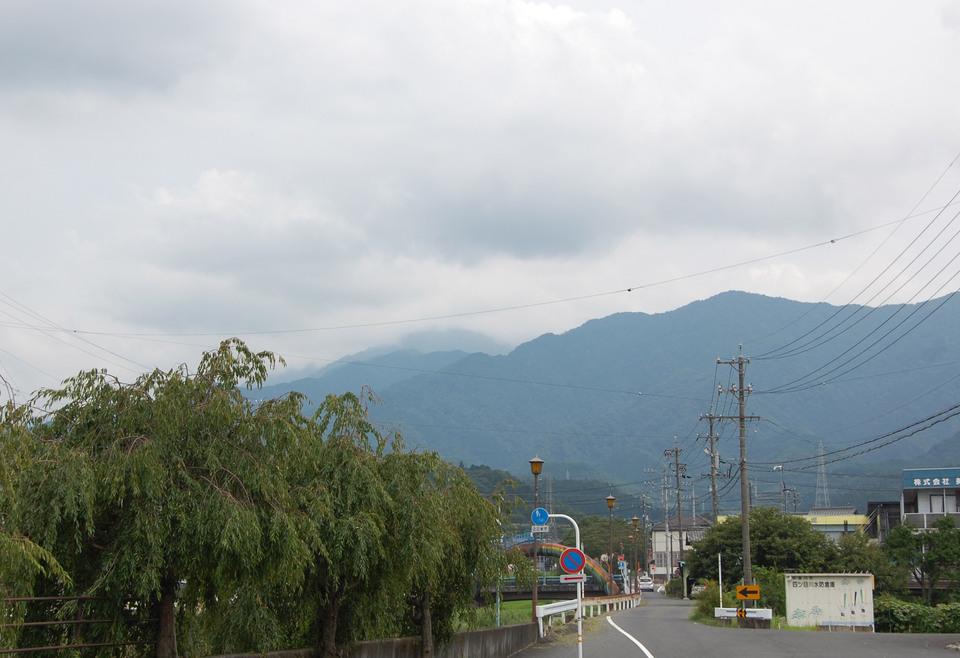 薄暗い雲がだんだんと... border=