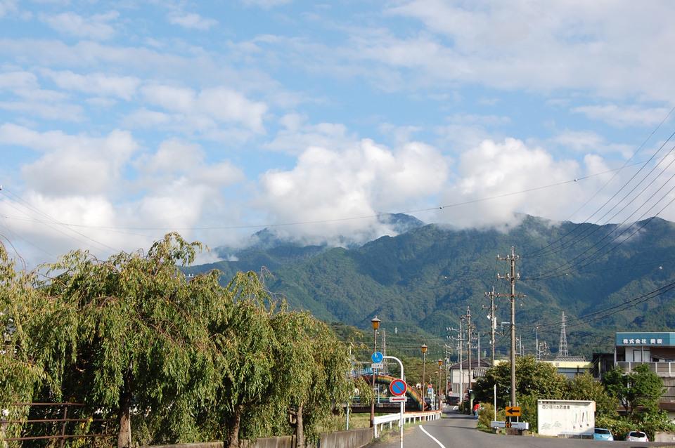 恵那山・青空・うろこ雲