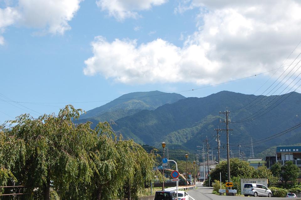 恵那山がきれいに見えています border=
