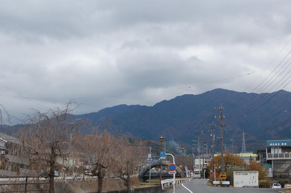 寒〜い日...雪?! border=