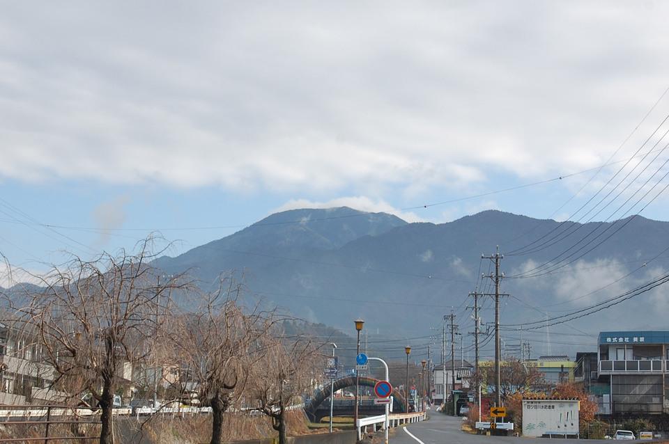 雨の後の恵那山