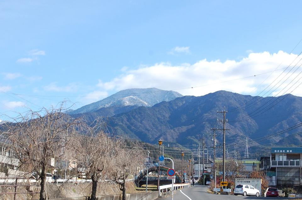 雪化粧の恵那山 border=
