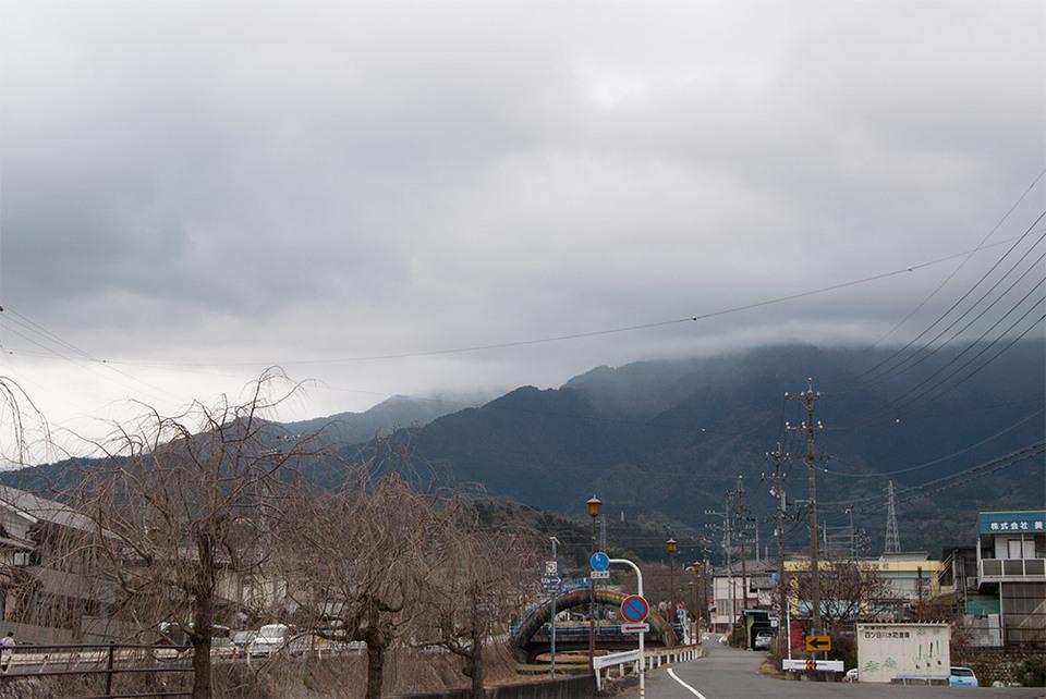 ポツポツ雨、恵那山では雪?!