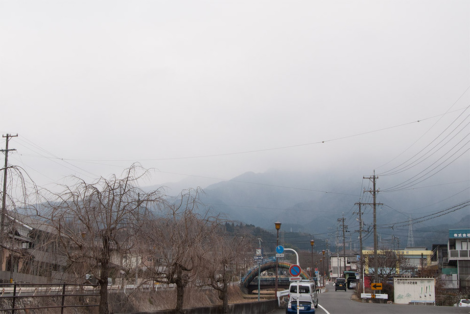 雪がチラホラ border=