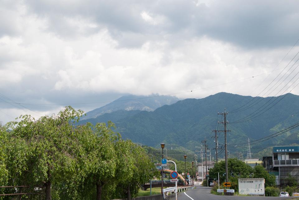風の強い日の恵那山