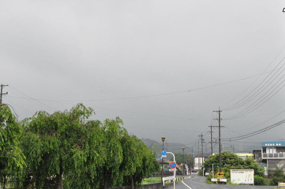 雨で恵那山は見えません