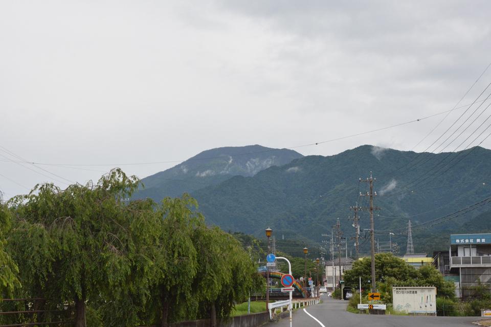 恵那山が綺麗に見えています