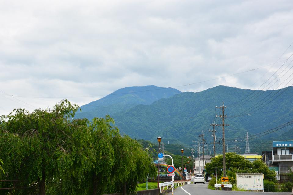 曇っていても恵那山見えます!