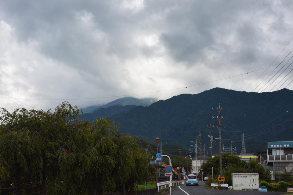 今日も恵那山は隠れています border=