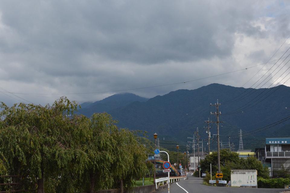 恵那山は今日も見えず... border=