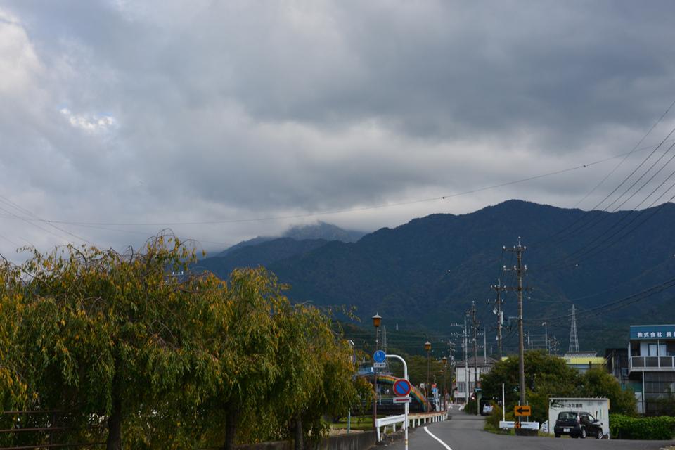 今日も恵那山は見えません...