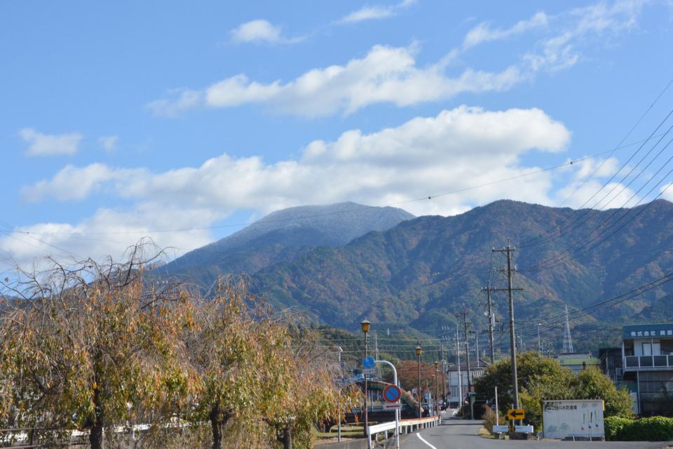恵那山に雪が! border=