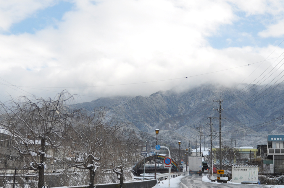 雪の晴れ間 border=