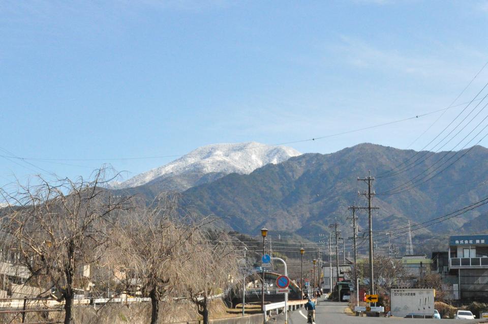 雪化粧がきれいな恵那山