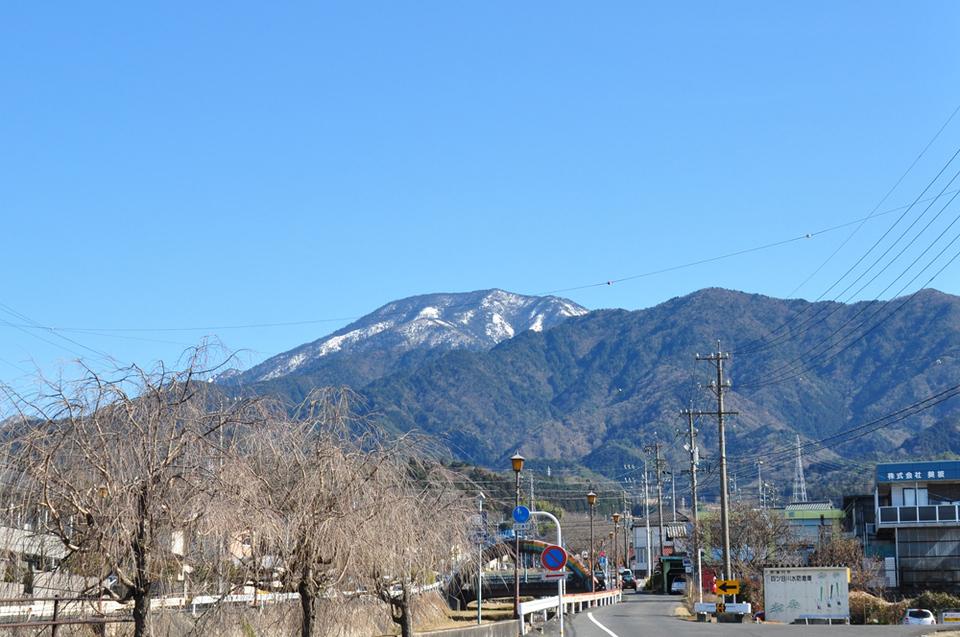 澄んだ空気で恵那山もきれい! border=
