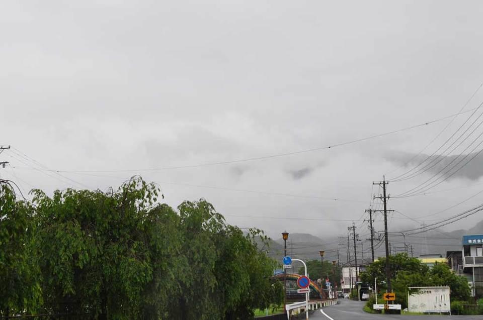 雨がザァザァ