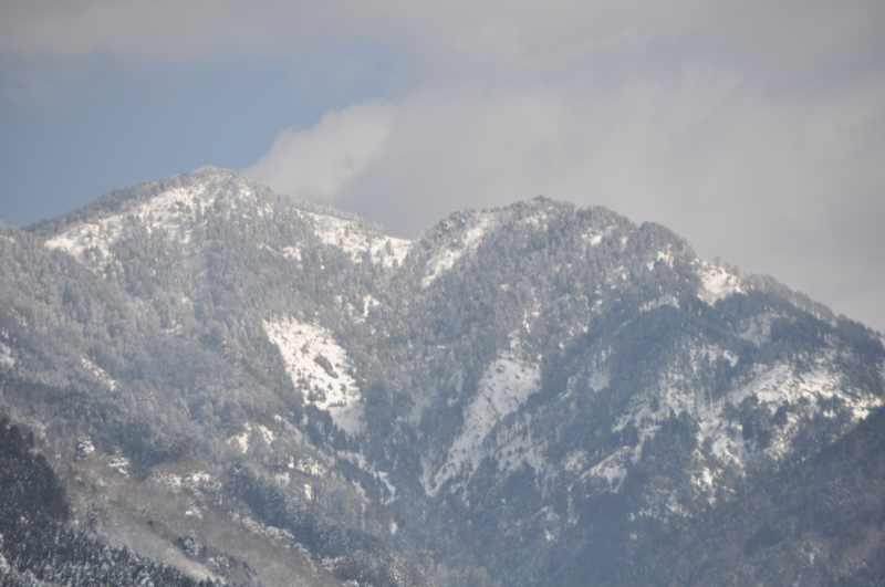 付知峡の雪景色 奥の山は奥三界か?