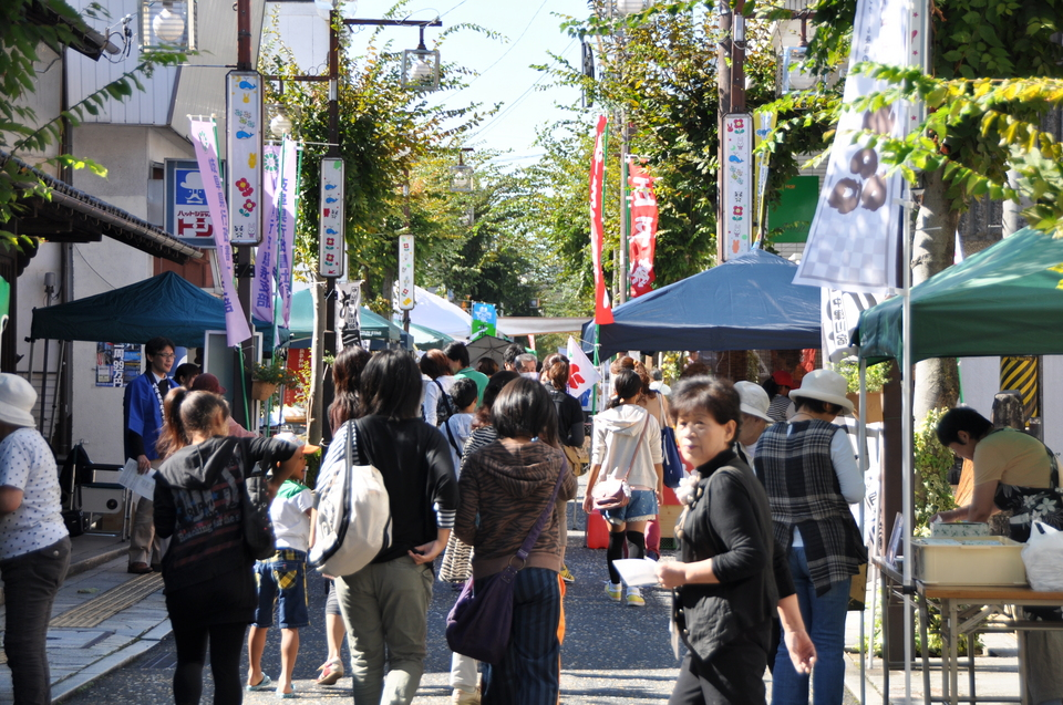 【10月の六斎市】10月6日(日)は六斎市。かしも産業祭、どうだん祭も同時開催!