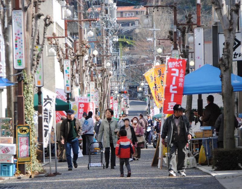 【六斎市】2月2日(日)は今年初めての六斎市。さむ~~~~いけれど、歩いて歩いて・・・! border=