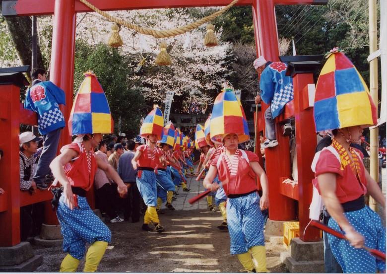【中津川の祭】杵振り祭り border=