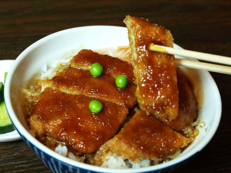 【おいしいお昼ごはん 平林とんかつ店】板前がつくる本物の幻のカツ丼