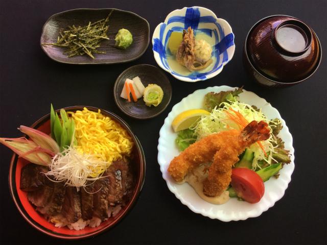 【おいしいお昼ごはん 神戸館】ステーキ専門店ならではの味とボリューム。 border=