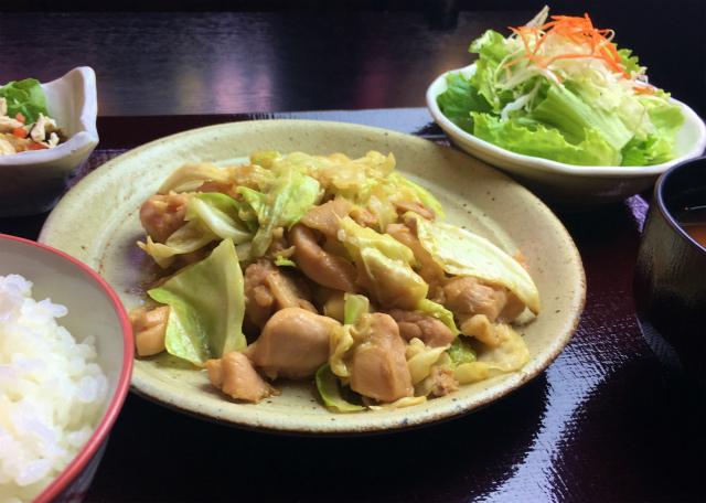 【おいしいお昼ごはん チキンハウス】中津川の郷土料理「ケイチャン」。新鮮な恵那どりでどうぞ。 border=