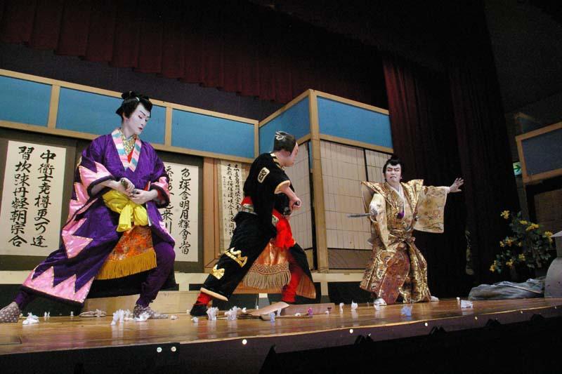 「第18回飛騨・美濃歌舞伎大会なかつ川2010」 border=