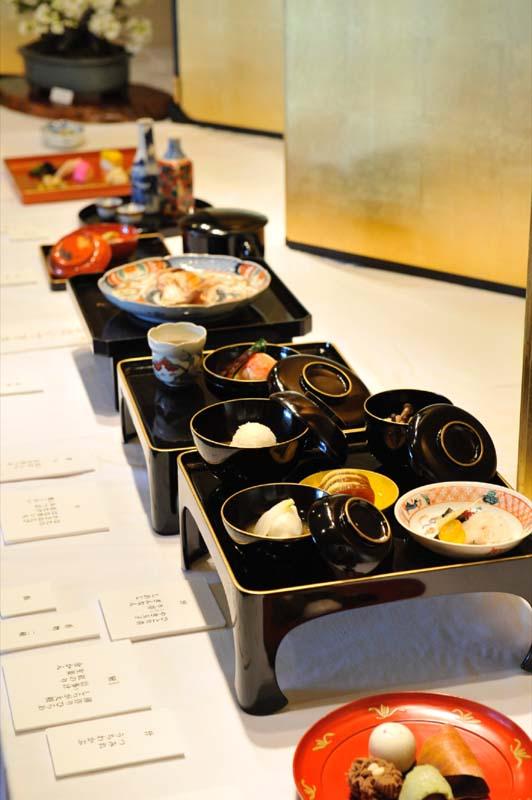 殿、同僚を接待する。苗木遠山資料館 「江戸時代料理復元」展