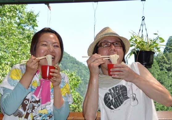 MORNING BIRDの筒井明子さんが中津川で夏休み Vol.1 付知峡でおいしい流しそうめん 8月8日 ON AIR! border=