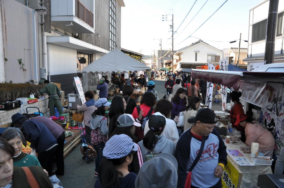 10月31日(木)のてくてく中津川は・・・?秋の中山道 六斎市 ごへーまつり。中津川の市街地がまるごとお祭り会場です。